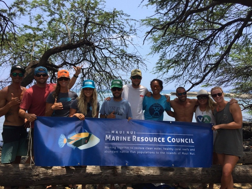 Maui Nui Marine Resource Council and Hawaiian Paddle Sports volunteering