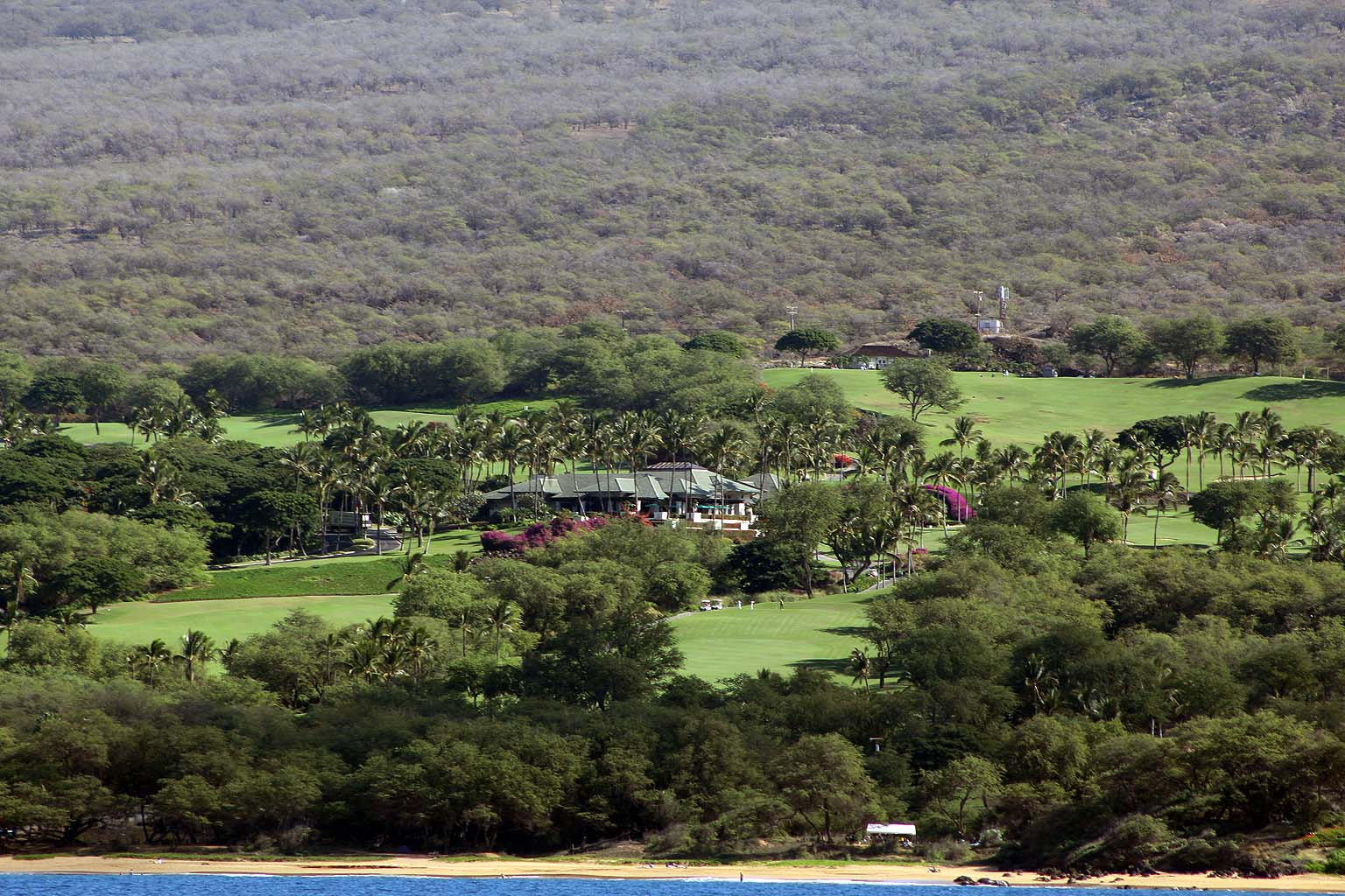 Wailea Golf Course club house and beach