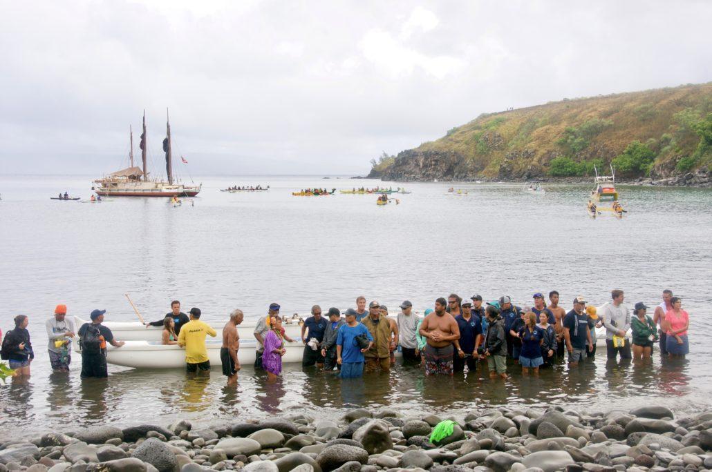 Crowd Hokulea Maui