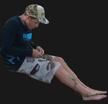 Making a ti leaf lei with Hawaiian Paddle Sports