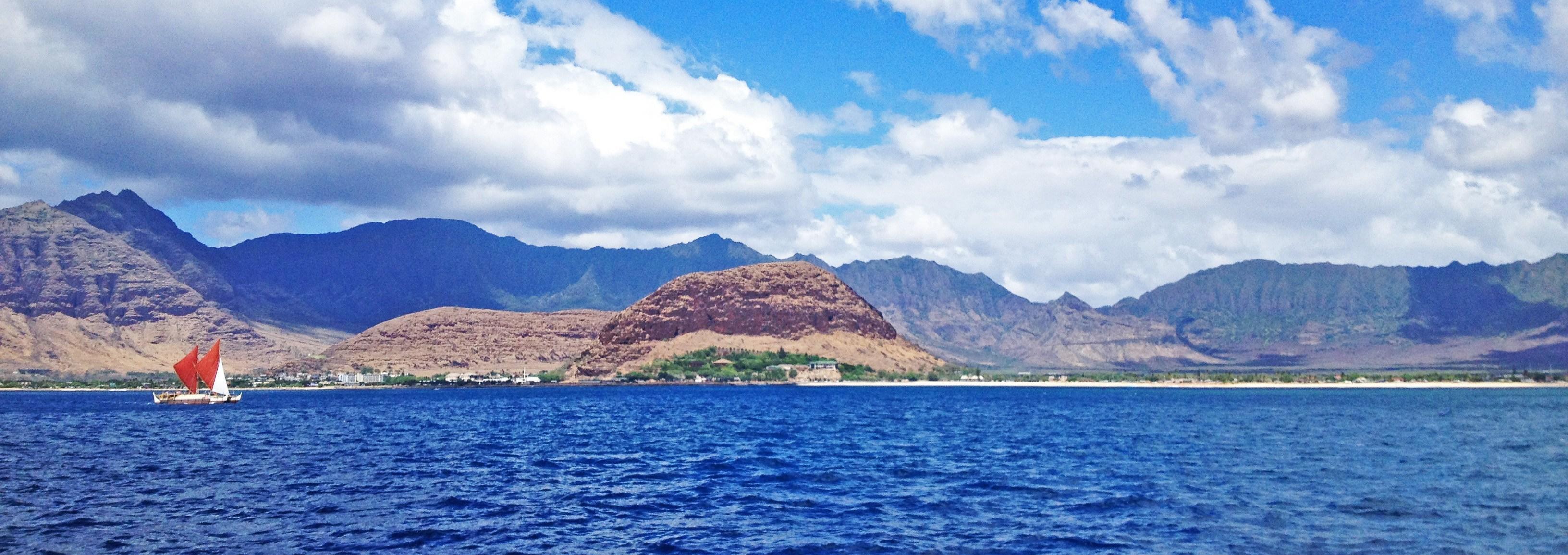 Hokulea off of West Oahu